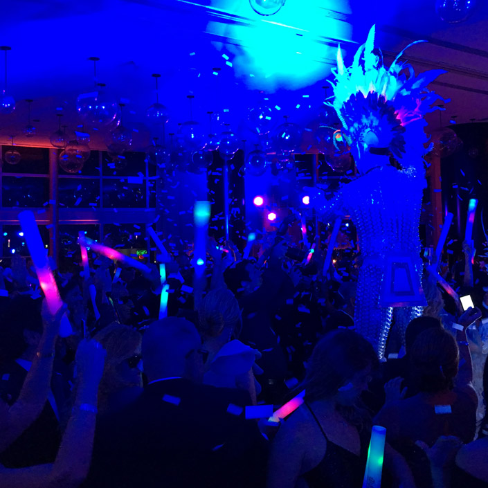 What's an Arabian theme party without belly dancers? What's a rave without lasers? What's a party without a theme? Let AL-Vento Entertainment book your entertainment!