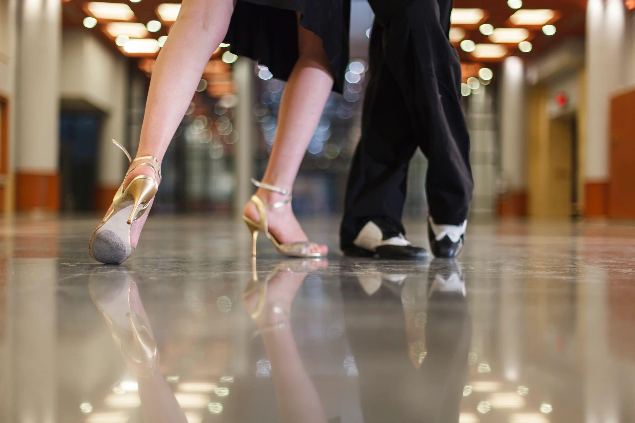 dance instructors as wedding entertainment